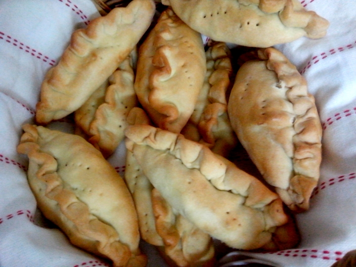 IMG_20151119_122245-baked pasties2