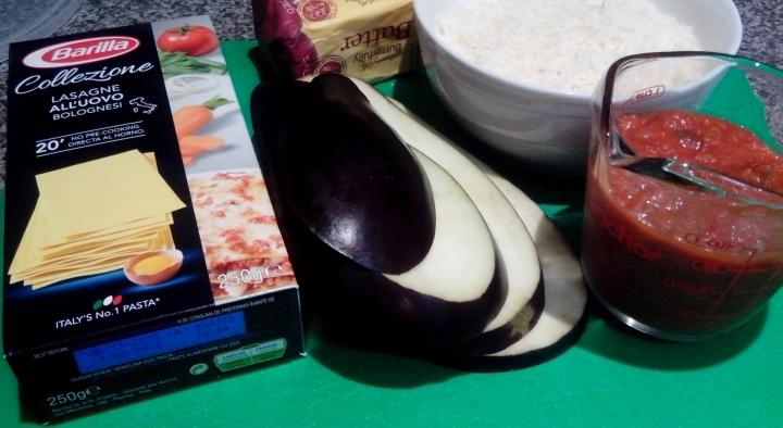 IMG_20151129_095705-Eggplant lasagne ingredients