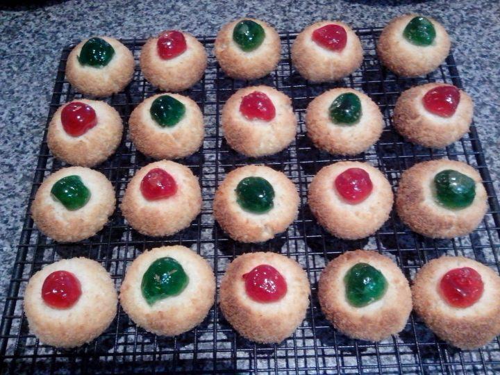 cherry macaroons