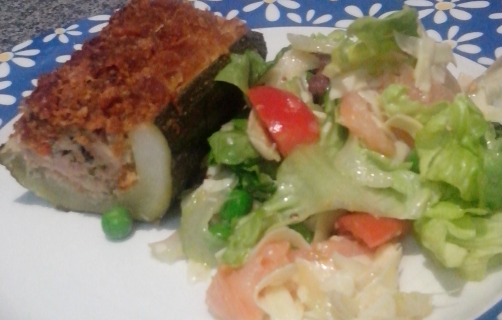 IMG_20151221_155822-stuffed zucchini with salad
