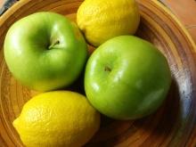 IMG_20160424_115822-Apples and lemons