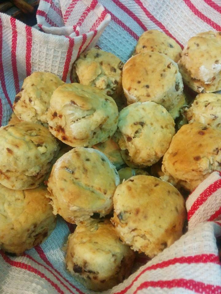 img_20170217_194109-mini-lemon-and-date-scones