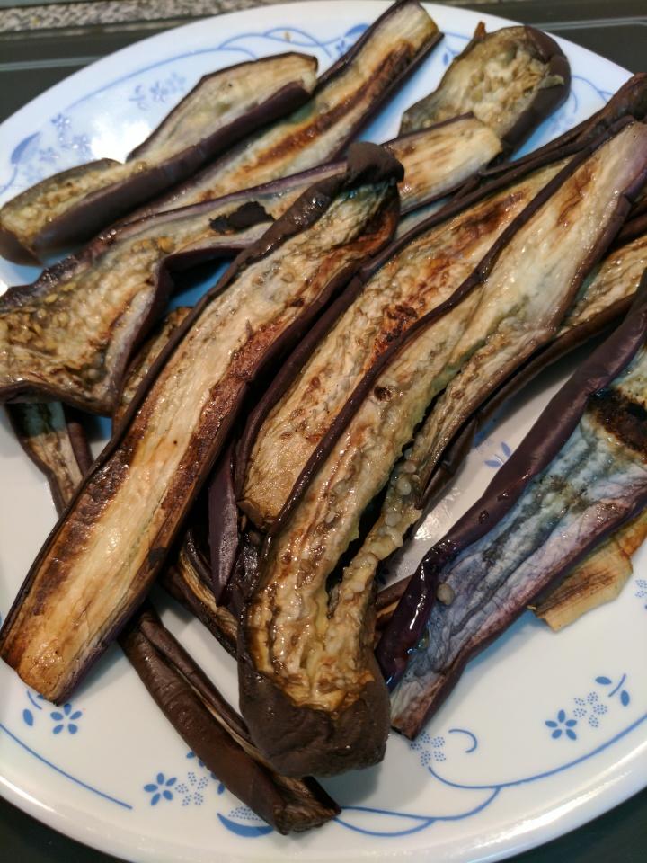 IMG_20170322_111710-grilled egglant slices