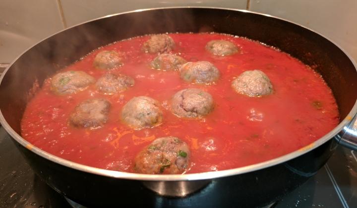 IMG_20170601_190849-Meatballs in sauce 3