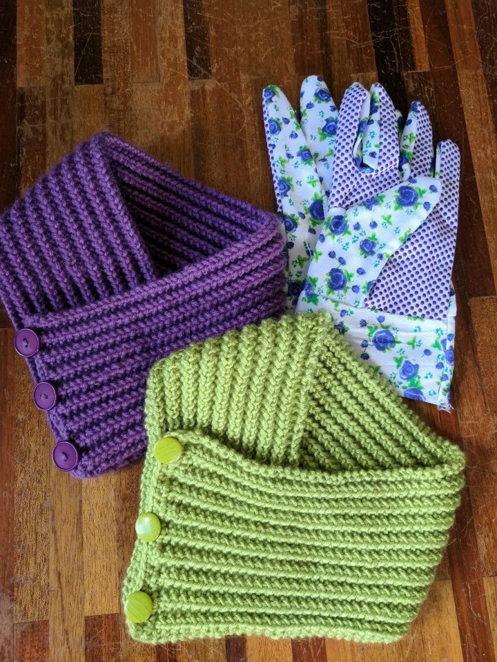 IMG_20170819_123315-Gardener Neck warmers and gloves
