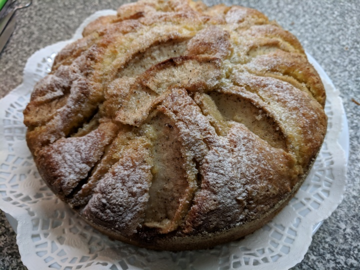 IMG_20180924_182219-Lemon apple cardamum cake2