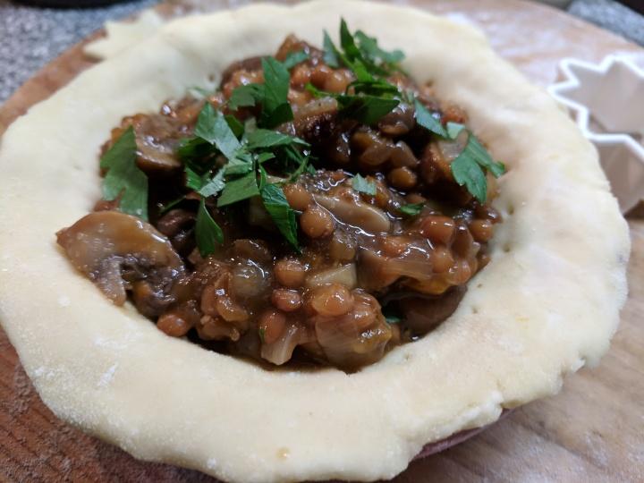 img_20190128_145122-lentils mushroom filling in pie