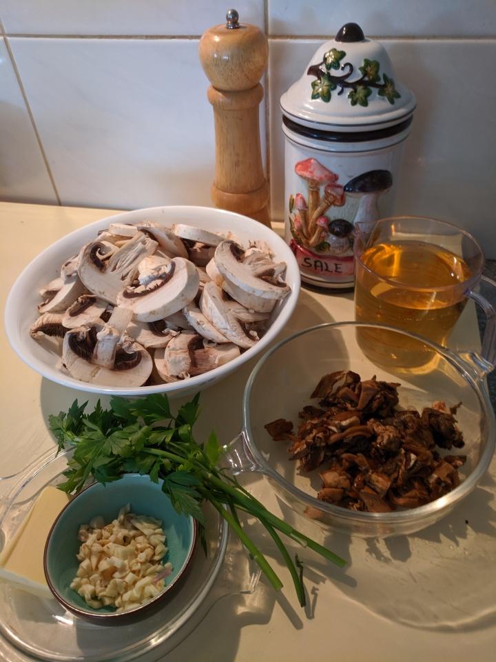 IMG_20191014_163124-Mario's mushroom sauce ingredients