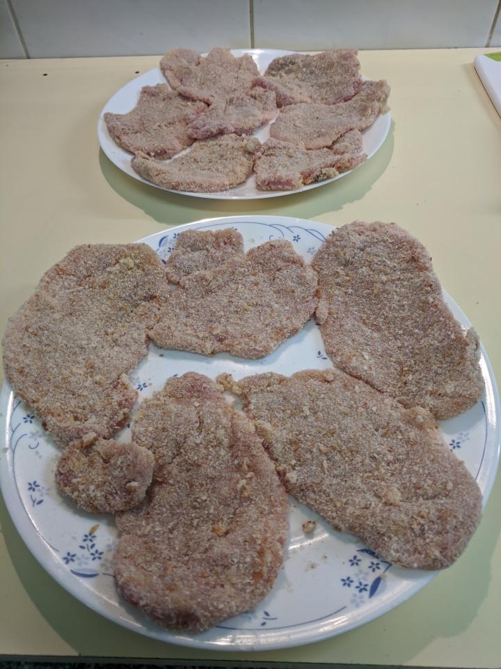 IMG_20200131_104138-Pork fillet schnitzels breaded.jpg