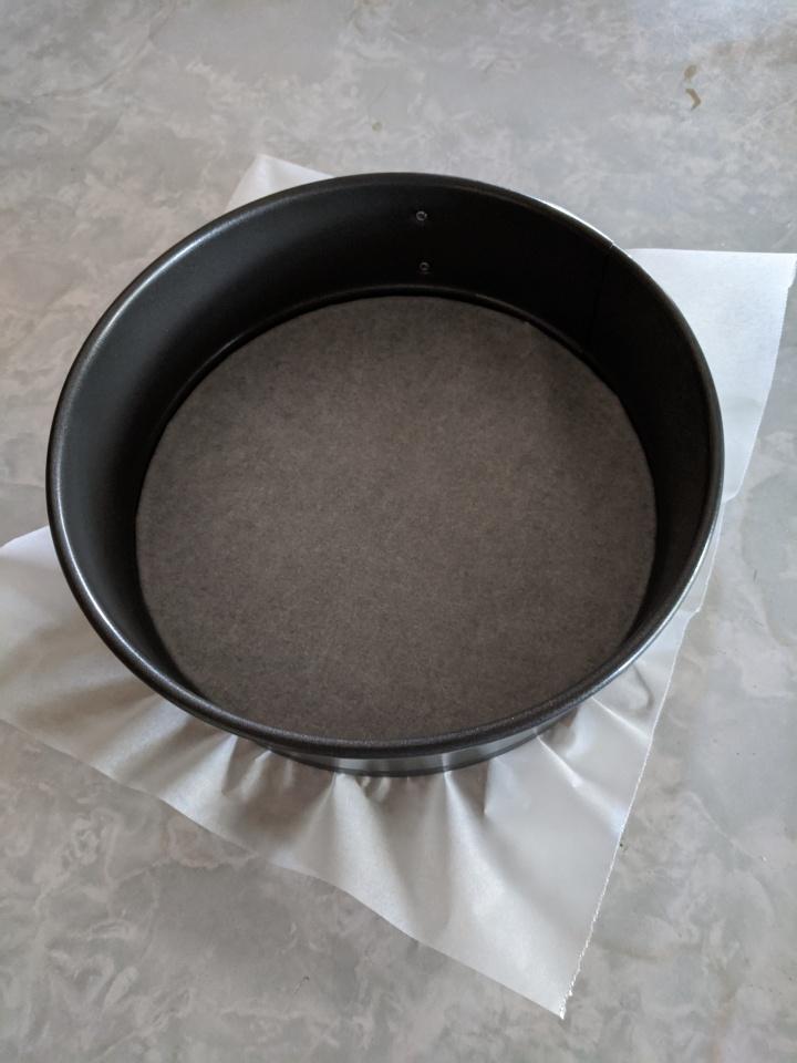 IMG_20200324_162323-Cake tin lined