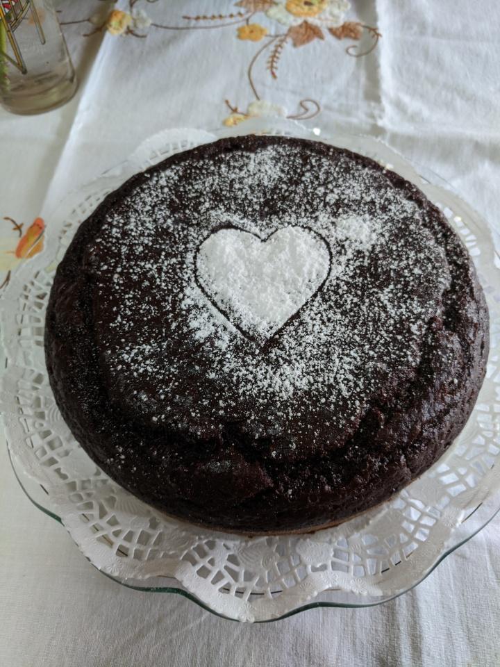 IMG_20200330_144959-Chocolate cake with icing sugar heart