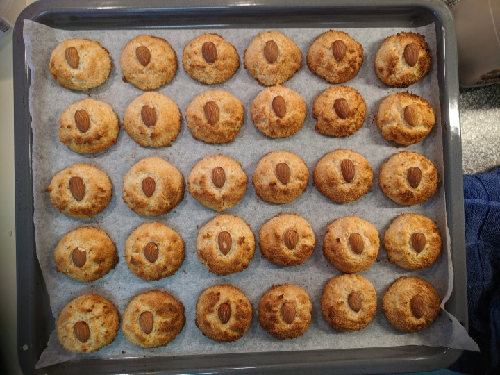 Almond and coconut biscuits finished2020-04-10