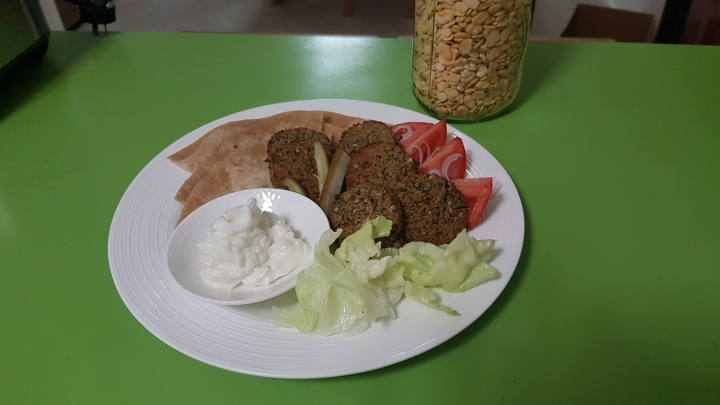 Falafel- on the plate-2020-04-09
